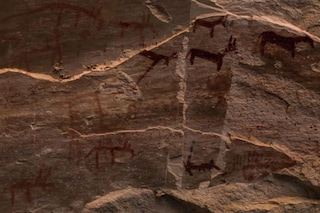 Grotta con 10mila pitture rupestri di migliaia di anni scoperta nel Sinai, in Egitto