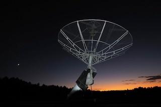Captato misterioso segnale radio nello spazio profondo: ripete il suo ciclo ogni 16 giorni
