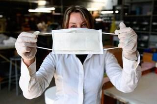 """ISS: """"Il coronavirus resiste fino a 4 giorni sul lato interno delle mascherine"""""""