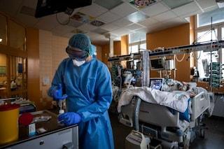 La mortalità dei pazienti in terapia intensiva con coronavirus è diminuita di un terzo