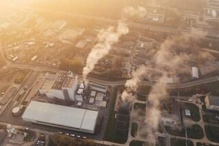 Le particelle dello smog trasportano il coronavirus nell'aria: la conferma da scienziati italiani