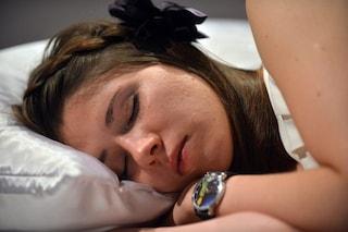 Dormire con il condizionatore acceso fa male?