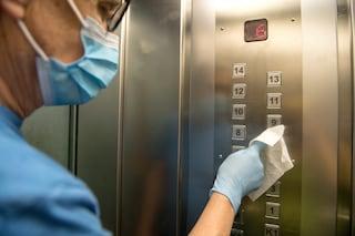 In ascensore rischi il contagio da coronavirus? Cosa dicono gli esperti
