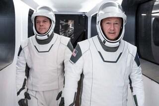 Belle, confortevoli e super tecnologiche: i segreti delle spettacolari tute spaziali di SpaceX