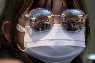 13 trucchi per non far appannare gli occhiali e irritare le orecchie quando indossi la mascherina