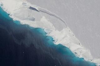 """Il """"ghiacciaio dell'Apocalisse"""" si sta sciogliendo a ritmi drammatici: rischiamo catastrofe globale"""