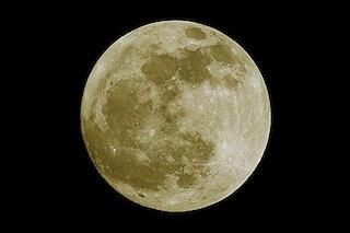 Stasera la Luna Piena del Raccolto illumina i cieli d'Italia