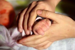 Una mutazione Covid trovata per la prima volta in un neonato