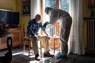 Perché vaccinare gli anziani per primi contro il coronavirus salverà più vite umane