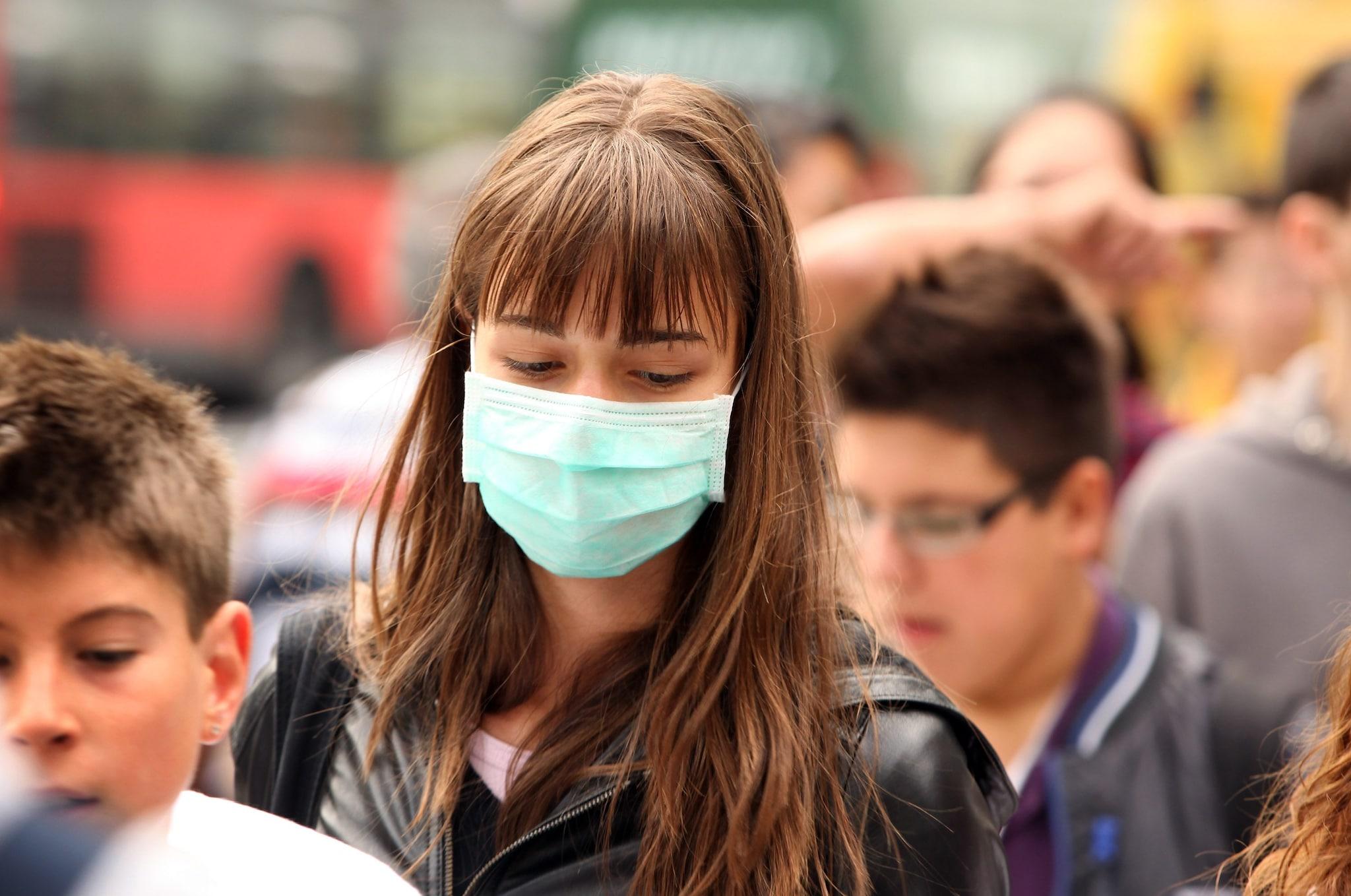 Dovremo indossare la mascherina anche dopo il vaccino