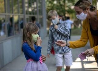 Anche i bambini più piccoli rispettano il distanziamento a scuola: lo dimostra uno studio