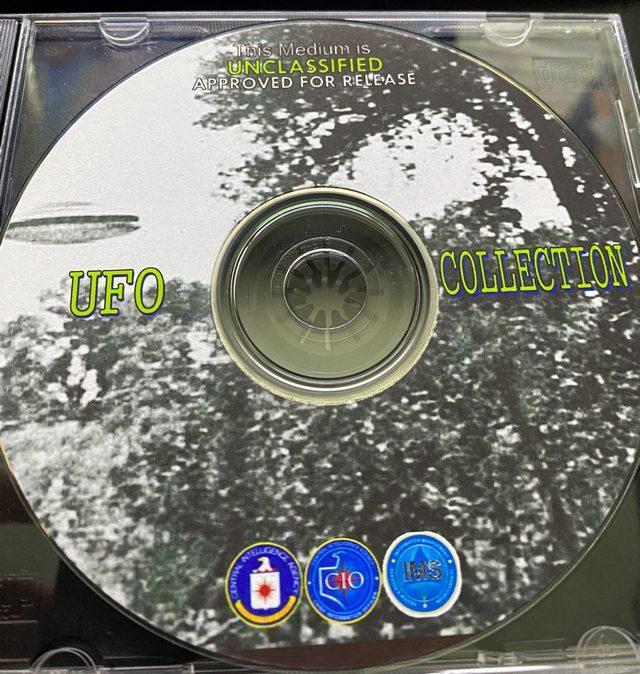 Il CD–Rom contenente i file. Credit: The Black Vault