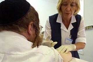 Il vaccino e non il lockdown ha abbattuto infezioni e ricoveri per Covid in Israele: lo studio