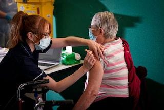 Il vaccino anti COVID di AstraZeneca ha un'efficacia del 74,6% contro la variante inglese