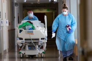 Rarissima malattia neurologica rilevata in pazienti Covid e in 3 vaccinati con AstraZeneca