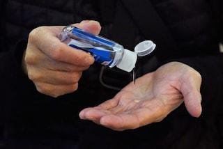 Lavarsi continuamente le mani con l'igienizzante ha fatto aumentare dermatiti e irritazioni