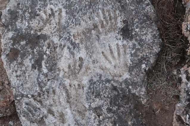 """Scoperte in Tibet impronte di bambini di 200mila anni: """"È l'opera d'arte più antica"""""""