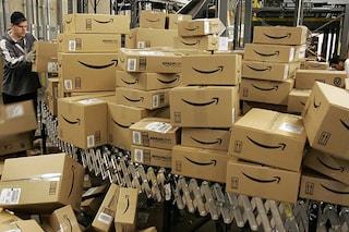 Nei magazzini Amazon automatizzati ci si infortuna più spesso che nei centri senza robot