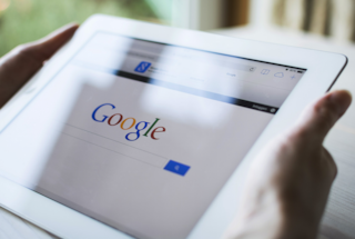 """Google, il nuovo algoritmo mobile preoccupa gli esperti: """"Distruggerà i siti più piccoli"""""""