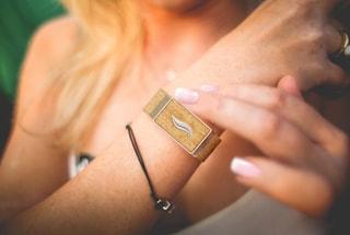 WellBe, il braccialetto che ti avverte quando stai per impazzire