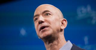 Lo smartphone di Jeff Bezos è stato hackerato con un messaggio su WhatsApp