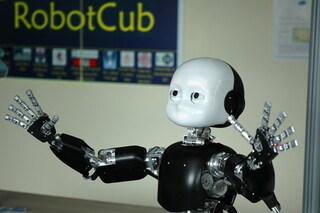 iCub, il robot umanoide italiano arriva al MIT
