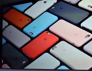 iPhone 8, Apple testa più di 10 prototipi diversi