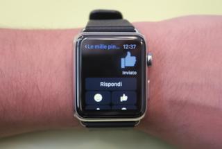 Facebook Messenger, disponibile l'applicazione per Apple Watch