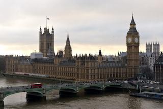 Regno Unito, i social network non potranno avvertire gli utenti di essere sorvegliati