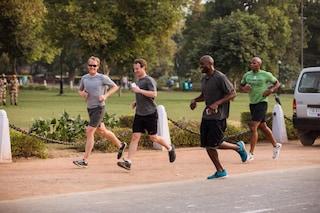 "Mark Zuckerberg lancia ""A Year of Running"": ""Quest'anno correrò 365 miglia"""