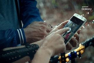 Galaxy S7 Edge, nuovo video ufficiale: lo smartphone Samsung è resistente all'acqua