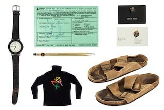 Dai sandali alle penne: all'asta alcuni oggetti personali di Steve Jobs