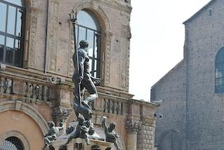 Bologna, Facebook censura la statua del Nettuno per nudità