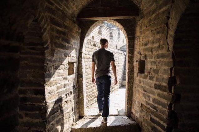 """Zuckerberg lancia A Year of Travel e sfida gli utenti: """"Visitate 12 nuovi paesi del mondo"""""""