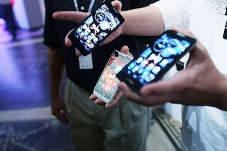 Mercato in smartphone ancora in calo, bene solo le aziende cinesi