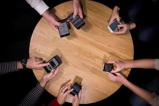 Il mercato degli smartphone è in declino per la prima volta da quando esiste il settore