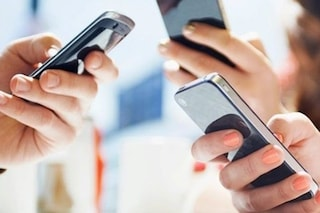 Stop ai costi di roaming dal 15 giugno: tutte le tariffe degli operatori mobili