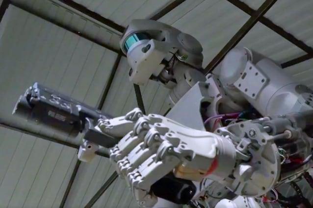 robot-terminator-russo