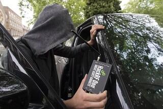 Su Amazon è in vendita un dispositivo che aiuta i ladri a rubare le auto