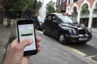 Londra ritira la licenza a Uber, nuovo scontro sull'innovazione del vecchio continente