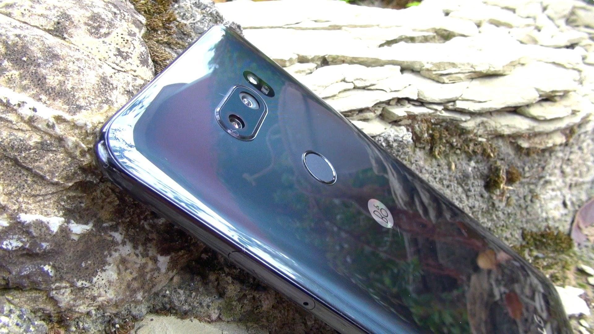 Recensione LG V30: caratteristiche tecniche, prezzo e data di vendita in Italia