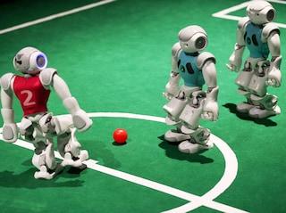 Entro il 2045 i robot saranno più bravi di Messi a giocare a calcio
