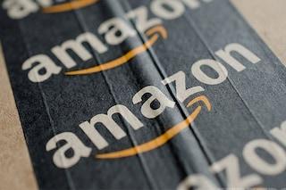 """L'accusa dei dipendenti di Amazon: """"Dobbiamo urinare nelle bottiglie per risparmiare tempo"""""""