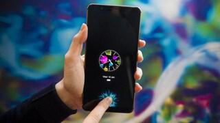Ecco il primo smartphone con sensore per le impronte digitali sotto lo schermo