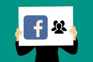 """""""Lasciami un commento e sarai più visibile"""": torna su Facebook la bufala dei 25 amici"""