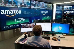 Il Regno Unito annuncia una tassa digitale per Facebook, Amazon e gli altri colossi