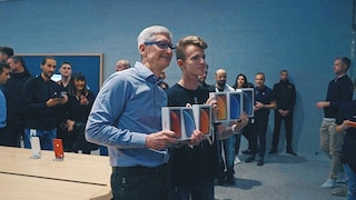 Tim Cook è a Milano per il lancio dell'iPhone XR