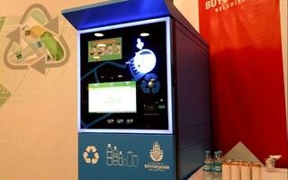 A Istanbul si può prendere la metropolitana pagando con bottiglie di plastica
