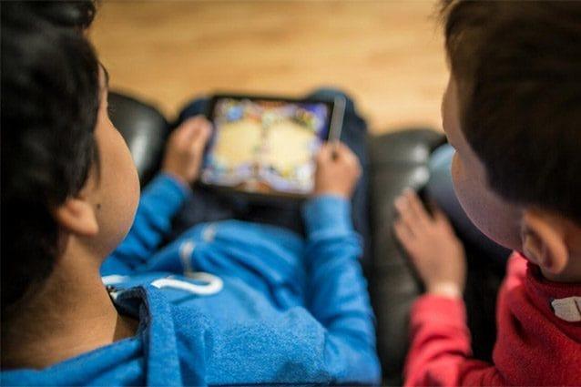 bambini smartphone youtube