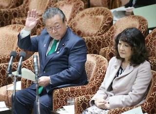 In Giappone il ministro responsabile della cyber sicurezza non ha mai usato un computer